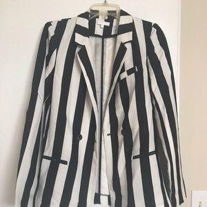 Black/white Zara blazer